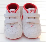 bebek çocuk yumuşak ayakkabıları toptan satış-Yenidoğan Bebek Kız Erkek Yumuşak Sole Ayakkabı Toddler kaymaz Sneaker Ayakkabı Rahat Prewalker Bebek Klasik İlk Walker Yeni Bebek Toddler Ayakkabı Yeni