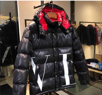 klassische mens daunenjacke großhandel-Klassische Marke Männer Casual Daunenjacke Daunenjacke Herren Outdoor Kapuze Warme Feder Wintermantel outwear Jacke
