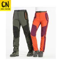 termal kayak giysileri toptan satış-Kamp Kayak Tırmanış dağcılık giysiler için Termal Windproof Su geçirmez 2019 Kış Erkekler Kadınlar Yürüyüş Pantolon Açık Yumuşak Pantolon