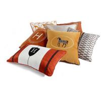 modelo laranja venda por atacado-Laranja Luz Luxuoso Travesseiro Moderno H Marca Modelo Quarto Cama Travesseiro Almofada Do Sofá Praça Travesseiro Saco Design Clássico
