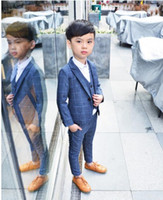corbata gris corbata al por mayor-Boy Lattice Rojo Azul Gris Traje Ropa de boda Abrigo + Pantalones + Chaleco + Pajarita Traje de niños Escenario Rendimiento Anfitrión Show Chico Trajes