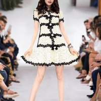 dantel boyun balo elbiseleri toptan satış-607 2019 Ücretsiz Kargo Marka Same Tarzı Elbise Flora Baskı Mürettebat Boyun Orta Buzağı Kısa Kollu Dantel İmparatorluğu Moda Abiyeler AS