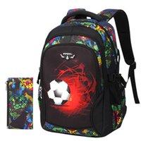 mochilas de niños cool para la escuela al por mayor-Mochilas para niños pequeños que imprimen bolsos rojos de la escuela Soccers para niños Mochila ligera fresca Niños que viajan mochilas