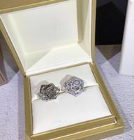 işemek küpeler toptan satış-Kadınlar için 925 Ayar Gümüş Küpe Ajur Gül Saplama Küpe ziyafet Hediye tasarımcı GÜL kristal küpe takı