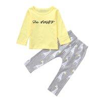 uzun tişört zürafa toptan satış-Bebek Giysileri Bebek Kız Giysileri Uzun Kollu O-Boyun Yürüyor bebek Kız Mektup Zürafa Tişört Pantolon Set Tops