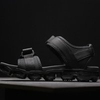 mens sommer wanderschuhe großhandel-2019 TN Plus Sandalen Schuhe Slipper Sommer Strand Flip Flop Schwarz Weiß Freizeitschuhe Indoor Rutschfeste Herren Sport Loafer Für Frauen zu Fuß