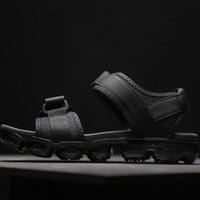 zapatillas para caminar al por mayor-2019 TN Plus Sandalias Zapatos Zapatillas Playa de verano Flip Flop Negro Blanco Zapatos casuales Interior antideslizante Hombres Deportes Holgazán para mujeres caminando