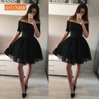 siyah diz boyu mezuniyet elbiseleri toptan satış-Moda Siyah Kısa Gelinlik Modelleri 2019 Seksi Balo Elbise Kadın Tekne-Boyun Tül Fermuar Diz Boyu Kız Örgün Mezuniyet Partisi