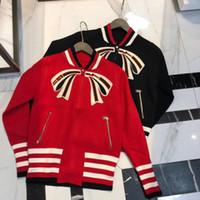siyah uzun hırka kadın toptan satış-Lüks 2019 Kırmızı / Siyah Standı Yaka Uzun Kollu Yay Hırka Bayan Milan Pist Yeni kadın Mont mm01