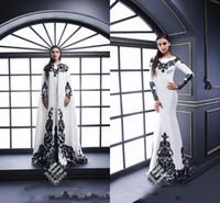 jóias de vestido de baile branco venda por atacado-Branco Vestidos de Noite Renda Preta Applique Com Capuz Mangas Compridas Jóia Pescoço Formal Longo Prom Vestidos de Festa Vestido Formal Vestidos de Noite