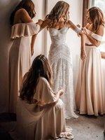 robes de charme achat en gros de-2019 robes de mariée bohème vintage sans manches en dentelle hors épaule amour épelle longueur au sol Pays Boho sirène plage robe de mariée