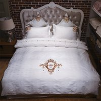 Wholesale royal beds online - Luxury Egypt cotton Jacquard Embroidery Royal Bedding set Queen King size Duvet cover set Bedsheet Pillowcases bed linen