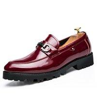 club nocturno zapatos hombres al por mayor-Zapatos con punta puntiaguda para hombres, brillos de moda para clubes nocturnos y zapatos de moda para peluqueros de suela gruesa, diseñador para hombre.