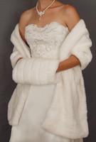 elfenbein organza bolero großhandel-New Günstige Winter Auf Lager Hot White Ivory Kunstpelz Jacke Hochzeit Braut Wraps Warmer Frauen Schal Capes Mit Muffs Zubehör Freies verschiffen