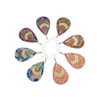 rotes kunstleder großhandel-9 Paar Blütenblätter Leder Ohrringe Kunstleder Träne lange Anhänger leichte Blatt rot gelb handgefertigte florale Regenbogen Ohrringe Weihnachten
