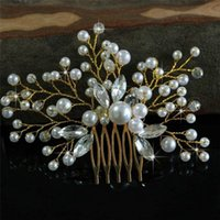 Wholesale bridal jewelry head pieces resale online - Trendy Pearl Hair Combs Wedding Bridal Hair Jewelry Ornaments Handmade Head Piece Decoration Party Hair Accessories Tiara