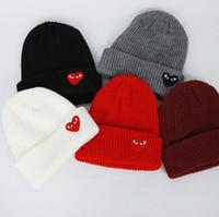 etiqueta de sombrero de invierno al por mayor-Invierno de Las Mujeres Sombreros Calientes Corazón Ojos Etiqueta de Dibujos Animados Gorros tejer Sombrero Capó Gorras Hombres Sombrero Crochet Cap Skull Caps