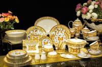 ingrosso set di cibi eco friendly-Lusso orlo d'oro Bone Porcelain Set da tavola 58 PCS in ceramica da tavola di set pattern farfalla stoviglie e piatti tazze e piattini Kit Regali