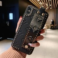 Wholesale Luxury Designer Wrist strap Holder Phone Case for Iphone XS Max XR X s Plus S9 S10 Plus Huawei P30 Pro Shell Cellphone Back Cover