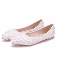 sapatos de casamento branco de princesa venda por atacado-Cristal Rainha Ballet Flats Sapatos de Casamento de Renda Branca Pérola Sapatos Baixos Sapatos Casuais Dedo Apontado Flats Mulheres Casamento Princesa Apartamentos