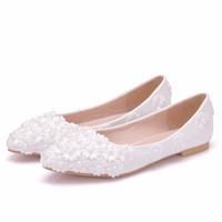beyaz prenses düğün ayakkabıları toptan satış-Kristal Kraliçe Bale Daireler Beyaz Inci Dantel Düğün Ayakkabı Düz Topuk Rahat Ayakkabılar Sivri Burun Yassı Kadın Düğün Prenses Daireler