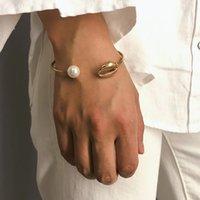 boho-manschettenarmband großhandel-Mode Perle Muschel Hand Manschette Armreif für Frauen einfache Golddraht offenes Armband geometrische Boho Schmuck Geschenk