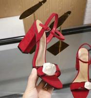 sandálias baixas sexy venda por atacado-Clássico Sandálias Da Senhora Verão Designer Luxuoso Sandálias Grossas Saltos Sapatos de Metal Fivela de Couro Real Sexy-Sapatos de Salto Alto das Mulheres de 10 cm