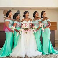 vestidos de dama de honor verde africano al por mayor-Vestidos de dama de honor de sirena africana fuera del hombro 2019 Nuevo verde menta hasta el suelo sin mangas Vestido de fiesta de invitados de boda de niña negra sexy