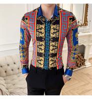 асимметричная мужская одежда оптовых-2019 европейском стиле печати с длинными рукавами рубашки корейский Тонкий ночной тенденции молодежной мужской личности цветок мужской рубашки свободная перевозка груза