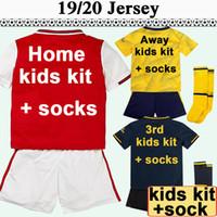erkekler moda çorapları toptan satış-19 20 Çocuklar Kiti Ev Kırmızı Futbol Formalar Dışarıda Sarı 3 Kısa Kollu Erkek Kız Futbol Gömlek Moda Çocuk Üniformalar Çorap Düşük fiyat