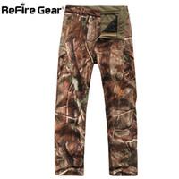 askeri yumuşak kabuk pantolon toptan satış-Refire Dişli Kış Köpekbalığı Cilt Yumuşak Kabuk Taktik Askeri Kamuflaj Erkekler Rüzgar Geçirmez Su Geçirmez Sıcak Camo Ordu Polar Pantolon SH190816