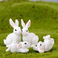 mini ev masaüstü toptan satış-Mini Tavşan Bahçe Süsleri Sevimli Hayvanlar Minyatür Figürinler Peri Bahçe Minyatürleri DIY Reçine El Sanatları Ev Dekorasyon Aksesuarları