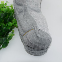 çeşitli giysiler toptan satış-Men'sSocks Uzun Pamuklu Çorap erkek Bahar ve Yaz Katı Örgü Çorap erkek Giyim Aksesuarları Çeşitli Boyutları için Uygun Ücretsiz Kargo
