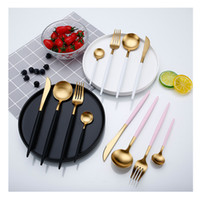 vajilla de moda al por mayor-2018 Top Fashion Luxury Electroplate Gold Tableware Set Western Portable 304 acero inoxidable 4Pcs / set accesorios de cocina envío gratis