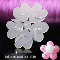 balon klipsleri mühürleri toptan satış-(50 adet / grup) balon aksesuarları erik çiçek klip Pratik uygun balonlar sızdırmazlık kelepçe lateks balonlar sızdırmazlık kelepçe