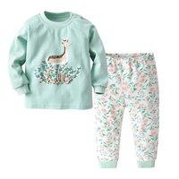 çocuklar iç çamaşırı pijama toptan satış-Çocuklar Yürüyor Boys Underwears için 2 adet Set Pijama Küçük Kızlar Sleepwears Çocuk Nightwears Çocuk Pijama Çocuk Iç Çamaşırı Bebekler Pijama