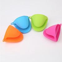 Silicone Gloves Clips Anti-slip Pot Bowl Holder Clip Insulation Glove Baking Oven Mitts Microwave Heat ResistantKitchenAccessories LQPYW1184