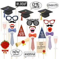 masque de bâton drôle achat en gros de-stand photo 30pcs 2018 Graduation Party New DIY visage Masques Funny Photo Booth Props Photographie Mustache sur un bâton Birthday Party Favor