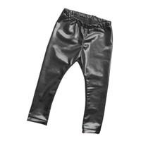 pantalón pantalón negro para niñas al por mayor-Niños Niñas Pantalones de bronceado de cuero Leggings Flaco Cintura elástica Niño Bebé Casual Sólido Pantalones negros cálidos Nuevo CALIENTE