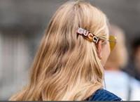 accessoires de cheveux fille noire achat en gros de-2019 Nouveau Cristal Lettres Pinces À Cheveux Noir Marron Barrettes Femmes Fille Accessoires De Cheveux Pinces À Cheveux Bijoux