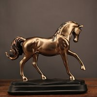 ornements de cheval d'or achat en gros de-sculpture Haute Qualité Vintage Résine Or Cheval Statues Figurines Ornements Cheval Sculpture Artisanat Home Office Décoration Accessoires Weddin