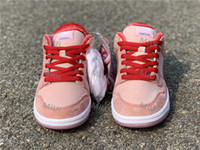 Wholesale skateboard shoes for women for sale - Group buy Top TS Pink SB Dunk Low Designer Sports Skateboard Shoes for Men Women StrangeLove Gift Trainers Street Zapatos Sneakers CT5053