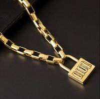 cerraduras para cadenas al por mayor-Collar colgante con cierre de estilo Hip Hop con sello Letra D Collar de cadena con Hallmark Collar famoso para regalo de fiesta