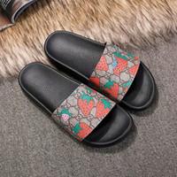 Wholesale gear pattern resale online - Designer slipper Gear bottoms mens Strawberry pattern sandals causal Non slip summer huaraches slippers flip flops slipper BEST QUALITY