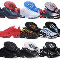 plus weiß großhandel-2019 Nike Air Max Tn Shoes New Airmax Tn Plus Tn Schuhe Männer Neue Design Tn Plus Laufschuhe Günstige Tn Requin Atmungsaktives Mesh Schwarz Weiß Rot Basketball Trainer Turnschuhe