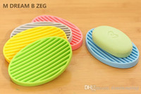 nouveaux modèles de savon achat en gros de-Les nouveaux porte-savons en silicone Supports de savon de salle de bain à la mode Accessoires de salle de bain design antidérapant multicolore avec drainage de l'eau