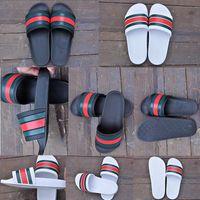 sandalias de playa blanca al por mayor-2019 Nueva venta caliente Hombres Sandalias de diapositivas de playa Medusa Scuffs 2018 Zapatillas Hombre Blanco Negro Moda Sandalias de diseñador sin cordones Tamaño 36-45