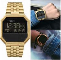 dijital kadın altın izle toptan satış-@NEW Toptan-Yeni altın gümüş Cassio dijital saat kare su geçirmez erkekler spor saatler İzle kadınlar LED Çift İzle