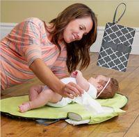 bebek bezleri toptan satış-Su geçirmez Bebek Mat Levha Taşınabilir Ped Seyahat Masa Değiştirme Istasyonu Kiti Bezi Debriyaj Bakım Ürünleri Q190528