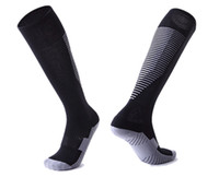 socken streetwear groihandel-2019 neue Männer Outdoor Sports Socks, Streetwear Männer Trainer Designer Sports Socks, Training modische Walking Gym Jogging Socks Kits Frauen